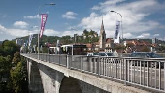 Künftig soll die Limmattalbahn über die Badener Hochbrücke fahren – ob mit oder ohne Autos daneben, ist eine ums