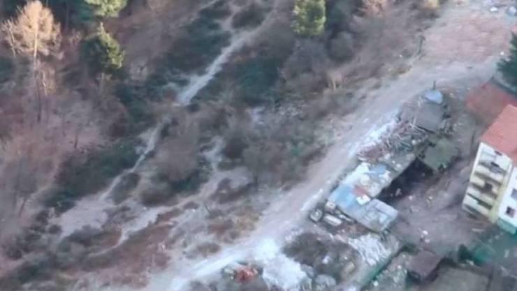 Unweit der Schweizer Grenze hat die italienische Polizei illegal deponierte giftige Abfälle sowie ausgesetzte Tiere entdeckt.