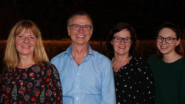 Vorstand: vlnr Marlise Vogt Aktuarin, Kurt Aeberhard Co Präsidium, Isabelle Hachen Co Präsidium, Tami Nyffeler Kassierin