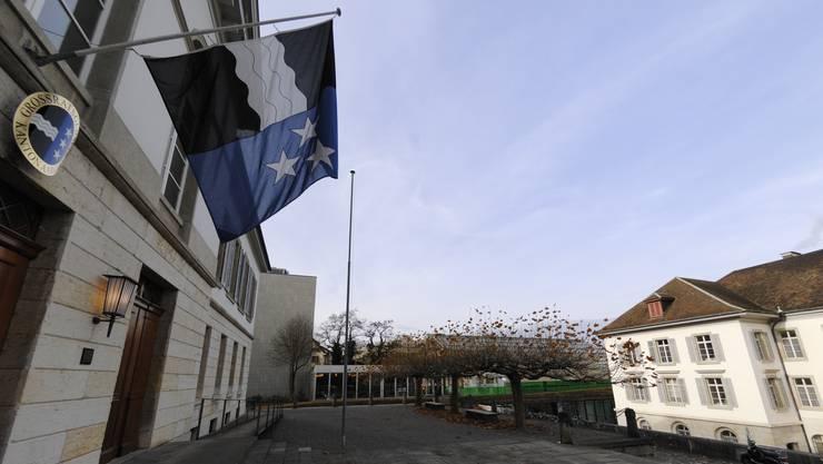 Die Regierung versuchte seit 2014 mit bereits drei Massnahmenpaketen Gegensteuer zu geben und den Kantonshaushalt wieder ins Lot zu bringen.