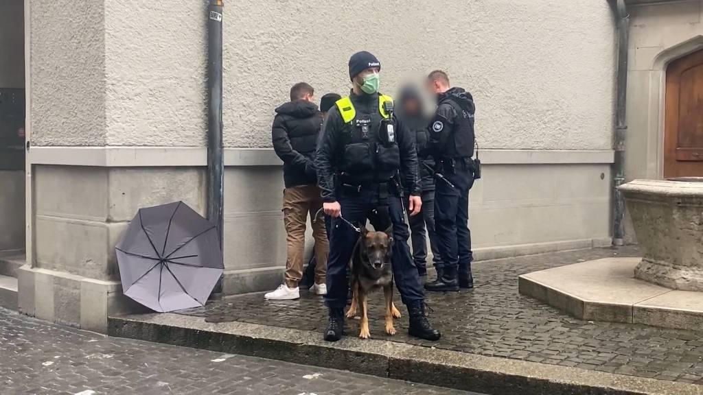 Hunderte Personen an Corona-Demo in Zürich: Mehrere Festnahmen