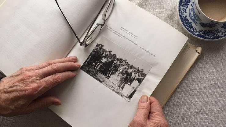 Blättern in alten Erinnerungen: Für ehemalige Verdingkinder bis heute sehr aufwühlend.