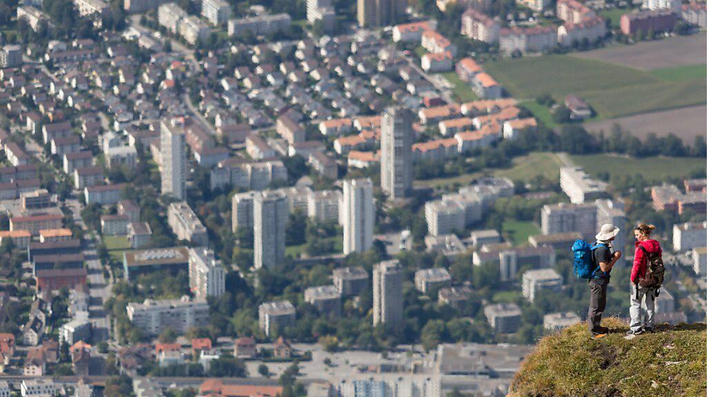 Dank mehr Steuereinnahmen, vor allem von natürlichen Personen, konnte die Stadt Chur einen Ertragsüberschuss verbuchen. (Symbolbild)