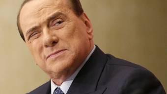 Italiens Ex-Regierungschef Silvio Berlusconi wurde der Bestechung eines Senators für schuldig befunden (Archiv)