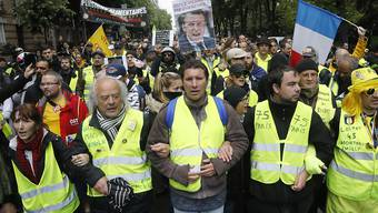 """In Frankreich sind am Samstag wieder mehr Menschen im Rahmen der regelmässigen """"Gelbwesten""""-Proteste auf die Strasse gegangen als etwa vor einer Woche. (Archivbild)"""
