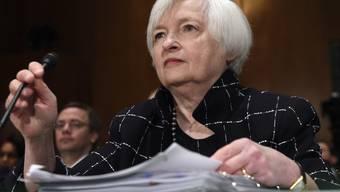 Die Währungshüter um Fed-Chefin Janet Yellen lassen trotz der ausgebliebenen Erhöhung des Leitzinses die Tür für eine geldpolitische Straffung einen Spalt weit offen. (Archiv)