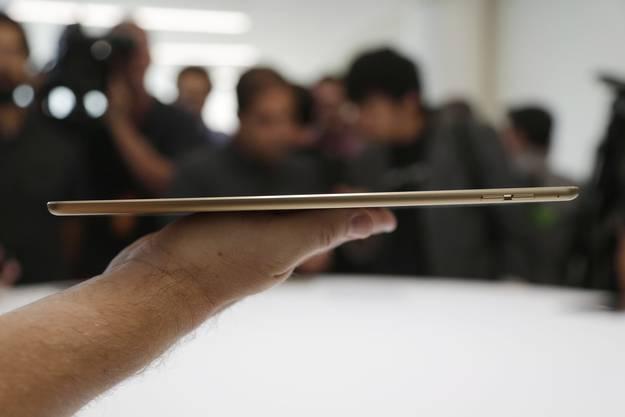 Ein Tablet mit Traummassen: 6,1 Millimeter hoch und 437 bis 444 Gramm schwer.