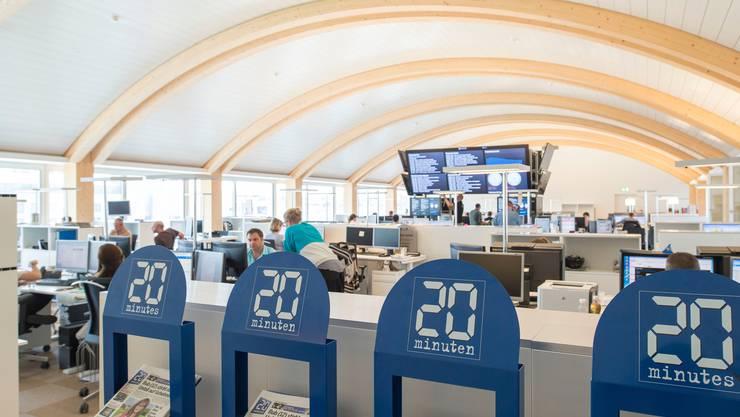 Hier soll bald nicht nur geschrieben, sondern auch Videos produziert werden: Blick in die Redaktionsräume von 20minuten in Zürich, aufgenommen am 11. Juli 2013.  (KEYSTONE/Christian Beutler)