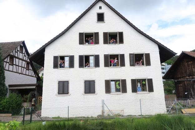 Seit Januar ist die Kita Stärneland in einem ehemaligen Bauernhaus an der Geroldswiler Dorfstrasse einquartiert. Das dreistöckige Haus verspricht Abenteuer pur.