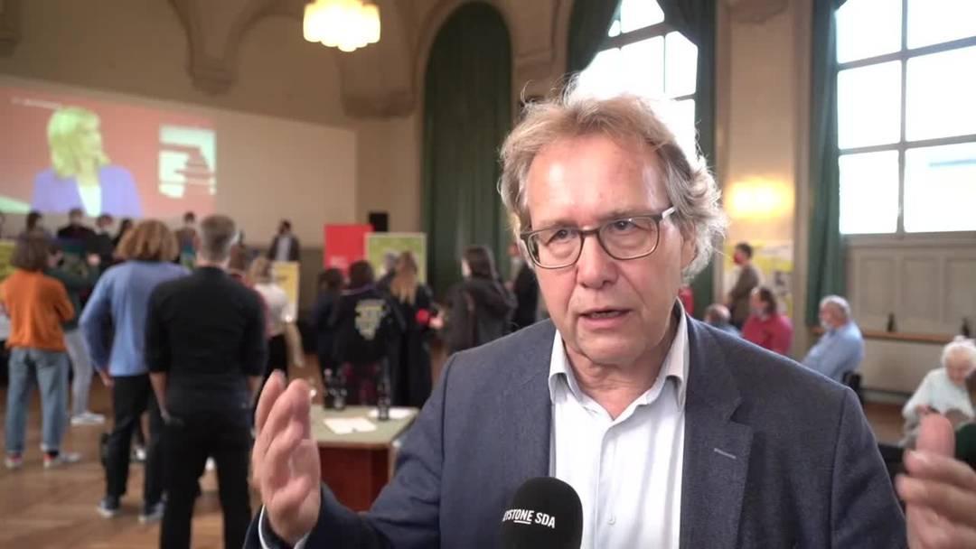 Kampfjet: Jo Lang und Lewin Lempert der Gsoa zur knappen Niederlage