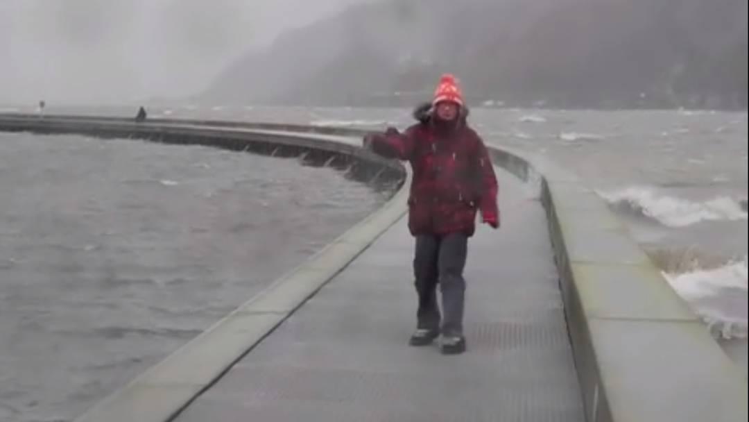 Joachim fegt über den Bielersee