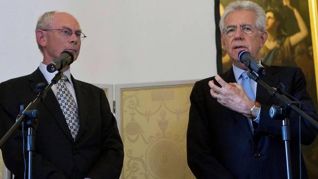 Mario Monti (r.) mit Herman Van Rompuy in Rom