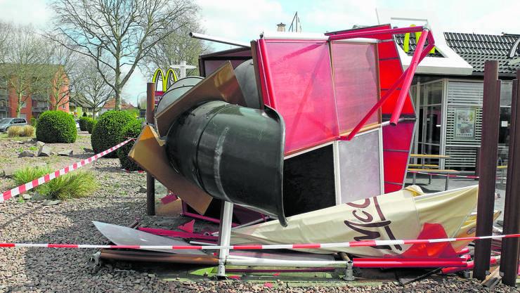 Ein Autolenker aus dem Fricktal demolierte im April den McDonald's-Spielplatz in Bad Säckingen.
