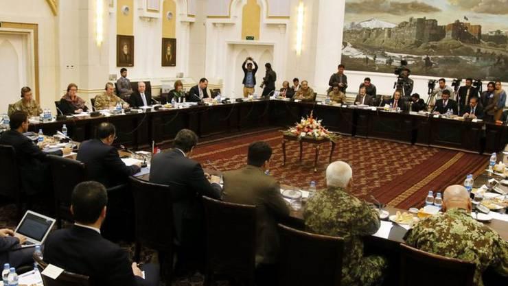 Blick in den Verhandlungssaal der Friedensallianz für Afghanistan am Dienstag in Kabul.