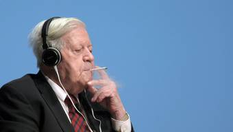Rauchverbote kümmerten den Altkanzler auch im hohen Alter wenig.