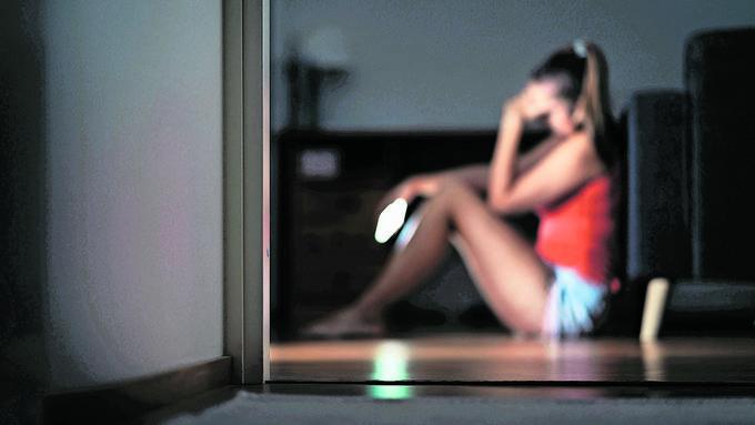 Das damals 14-jährige Mädchen war in einer psychisch sehr schwierigen Phase, als es Kontakt zu den Männern suchte. (Symbolbild)