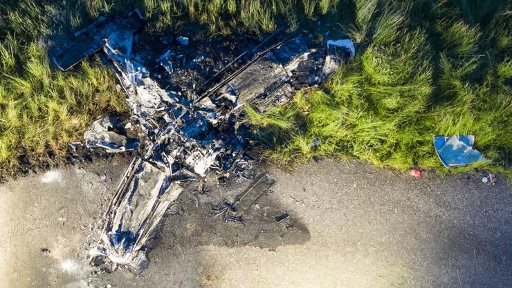 Auf dem Birrfeld stürzte am Dienstagabend, 14. Mai 2019, ein Kleinflugzeug ab und ging in Flammen auf.
