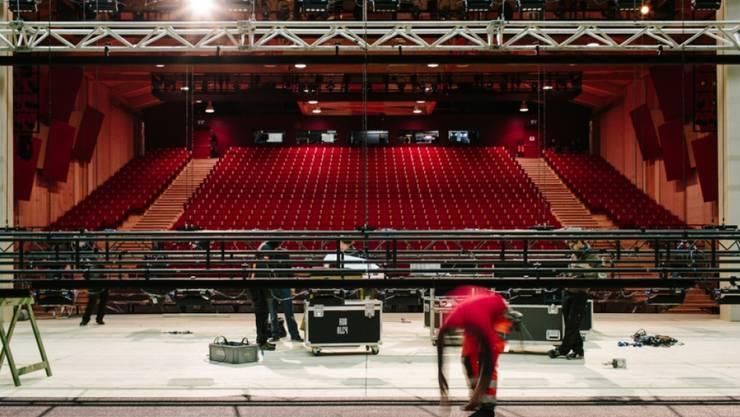 Blick in den Zuschauerraum der Opéra des Nations, der Ausweichstätte des Grand Théatre von Genf. (Pressebild)