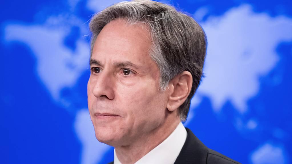 Antony Blinken, Außenminister der USA, spricht über Flüchtlingsprogramme für Afghanen.