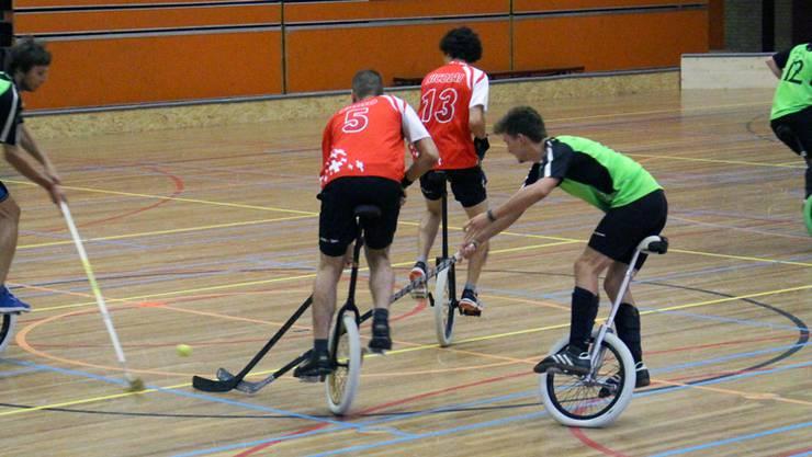 Die Mannschaft mit den Oltnern Einradhockeyspielern gewann den Halbfinal souverän