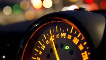 Das Messgerät erfasste einen Seat Ibiza mit 111 km/h. (Symbolbild)