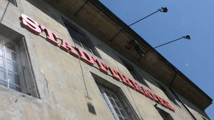 Das  Stadttheater Solothurn von seiner Sonnenseite.