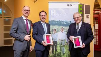 Heilbronner Weinabend im alten Spital, v.l. Steven Schoch, Heilbronn Marketing, Norbert Riedel, Botschafter Deutschland, Kurt Fluri.