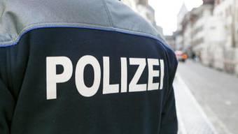 Beim falschen Polizisten handelte es sich um einen 26-jährigen Deutschen. (Symbolbild)