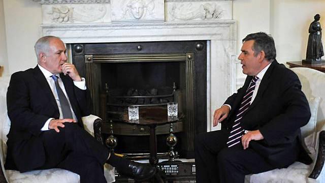 Gordon Brown im Gespräch mit Netanjahu