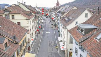 Liestals Rathausstrasse befindet sich im Umbruch: Überall dort auf dem Bild, wo eine Nummer steht, passiert in nächster Zeit etwas.