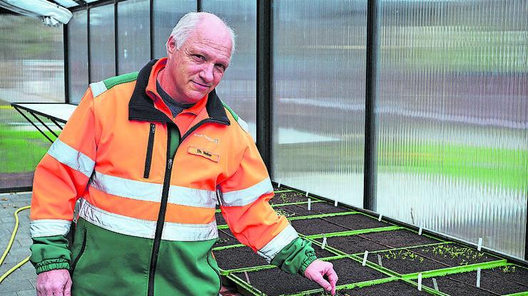 Der Leiter Gartenbau der Stadt Dietikon, Thomas Weber, ist schon seit über 30 Jahren dabei und kennt die vielen Grünflächen der Stadt.