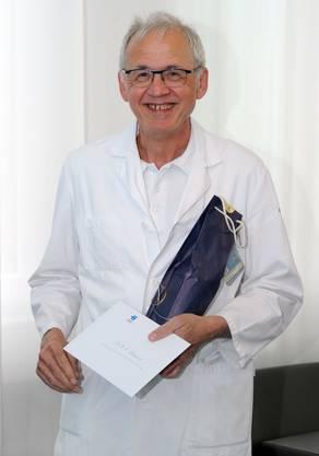 Kurt Lehmann geht bei der Behandlung von Prostata-Krebs neue Wege. Der 61-Jährige ist seit 1999 am KSB tätig.