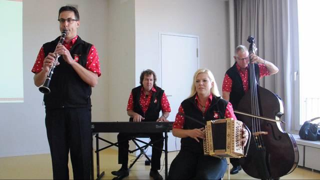 Uraufführung der Festkomposition «Z Aarau esch de Adler los»