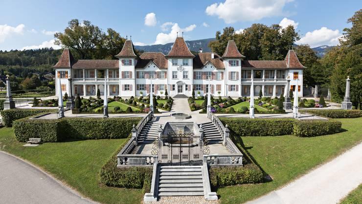 Das Schloss Waldegg mit dem Barockgarten.