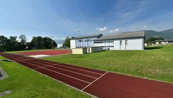 Die neue Turnhalle soll hinter der Mehrzweckhalle gebaut werden.