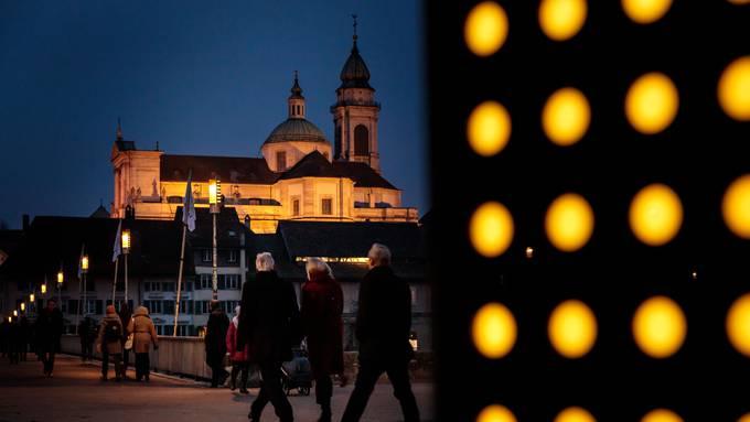 In Indien vertreibt Gelb böse Geister. Und in Solothurn?