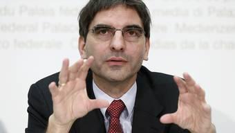 Aymo Brunetti, Volkswirtschaftsprofessor an der Universität Bern, befürchtet, dass der wirtschaftliche Einbruch wegen der Coronakrise wesentlich ausgeprägter sein wird als damals bei der Finanzkrise. (Archiv)