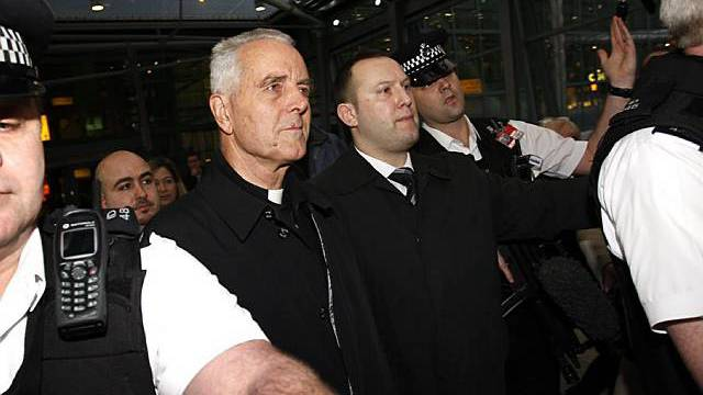 Williamson am Flughafen in London