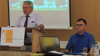 Hatten nur Gutes zu berichten: Verwaltungsratspräsident Josef Meier (links) und Geschäftsführer Anton Küng an der GV der Getreidecenter Freiamt AG. bs