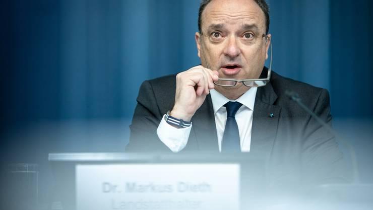 Budget-Pressekonferenz im Regierungsgebäude mit Landstatthalter und Regierungsrat Markus Dieth sowie März 2019 Staatsschreiberin Vincenza Trivigno. Aufgenommen am