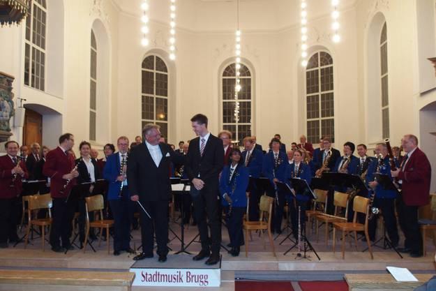 Die beiden Dirigenten im Vordergrund