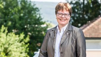 Marianne Wildi auf der Terrasse des AIHK-Gebäudes in Aarau.