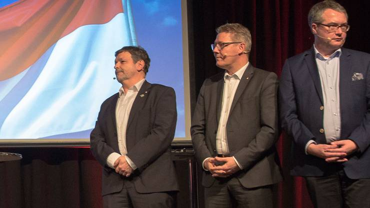 Die Bisherigen Roland Heim (CVP), Roland Fürst (CVP) und Remo Ankli (FDP) am Wahlpodium.