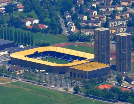 Nach fast zweijähriger Bauzeit wurde die Luzerner Swisspor-Arena am 31. Juli 2011 eröffnet. Das neue Stadion entstand in einer öffentlich-privaten Partnerschaft: Investorin Credit Suisse baute zwei Wohntürme und ein Sportgebäude und subventionierte den Bau des knapp 74 Millionen Franken teuren Stadions mit den 31,7 Millionen, die sie der Stadt für das Baurecht bezahlte. Den Rest übernahmen Stadt und Kanton (22 Mio.) sowie der FCL (20 Mio.). Das Luzerner Volk hiess 2008 die Umzonung des Baugrundes, Kredite und Baurechtsverträge gut. Die Einsprachen gegen den Gestaltungsplan wurden im März 2009 zurückgezogen.