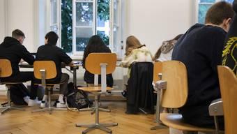 Im Kanton Basel-Stadt mussten wegen der Coronavirus-Pandemie viele Schülerinnen und Schüler in Quarantäne geschickt werden.