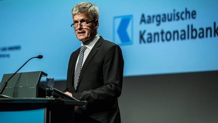 Der jetzige AKB-Chef Rudolf Dellenbach verdient knapp eine Million Franken. Der neue soll nur noch 600 000 Franken verdienen.