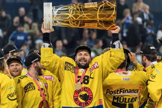 Martin Plüss führte den SCB als Captain zum Meistertitel.