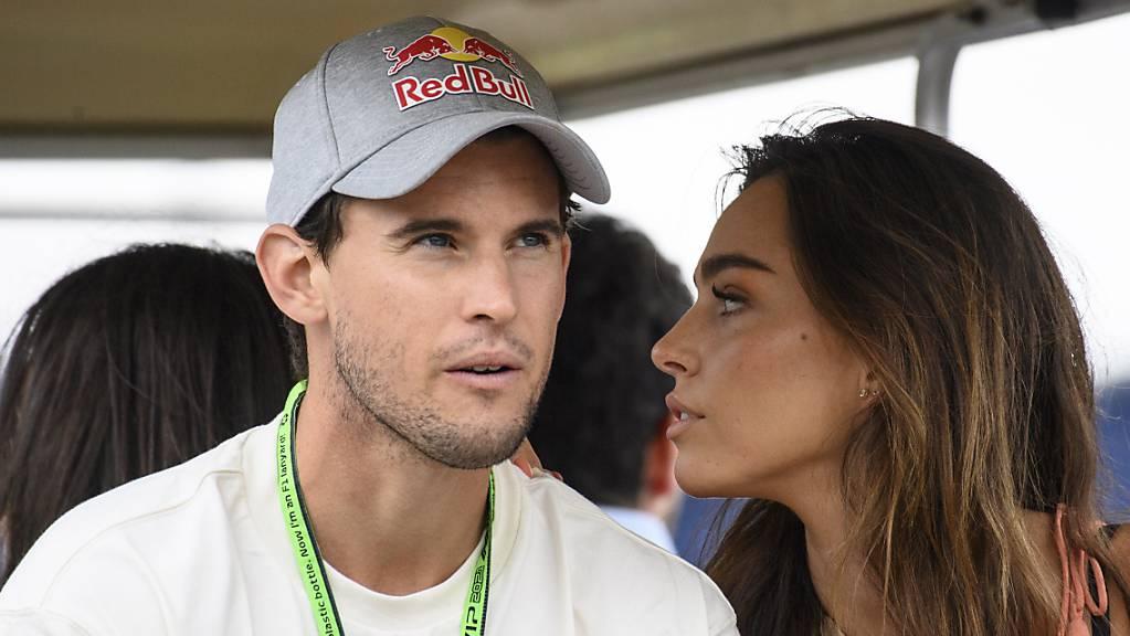 Dominic Thiem, hier beim Besuch des Formel-1-GP in Spielberg, muss verletzungsbedingt bis Ende Saison der ATP-Tour fernbleiben.