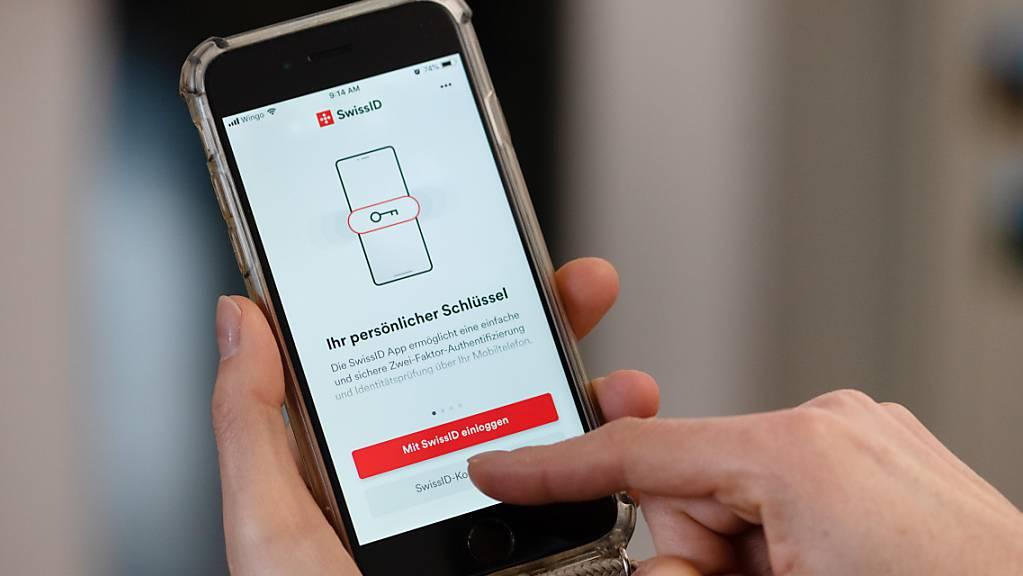 Ein sicherer und schneller Login im Internet, der einen Teil der Behördengänge ersetzen könnte, bleibt in der Schweiz ein Ziel, für das noch keine mehrheitsfähige Lösung gefunden wurde. (Themenbild)