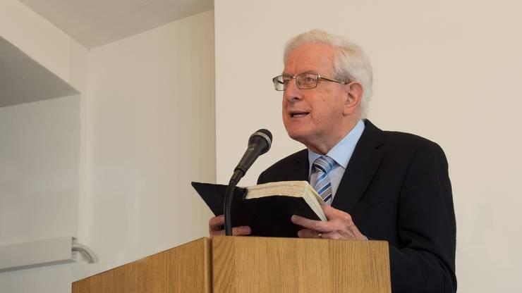 Häufig zitiert Pfarrer Dr. Armin Mauerhofer direkt aus der Bibel.